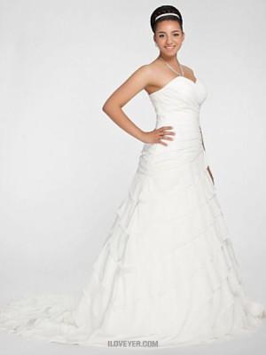 A line Princess Sweetheart Chapel Train Chiffon Wedding Dress with Beading Appliques Criss Cross Ruche