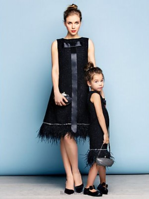 A Line Jewel Neck Knee Length Cotton Australia Cocktail Party Dress with Crystal Detailing