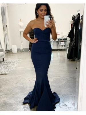 Simple Sweetheart Navy Blue Mermaid Bridesmaid Dress