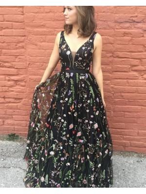 Stunning Deep V Neck Floral Lace Black Tulle Prom Dress