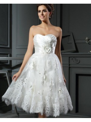 Sweetheart Ruched Lace Appliqued Short Wedding Dress With 3D Flowers
